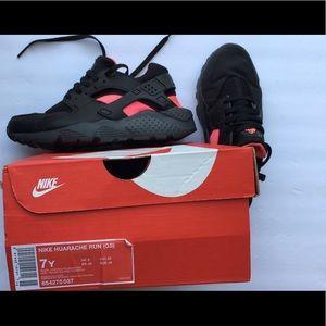 Nike Huaraches Air run shoes 7 women